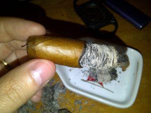 Blind Cigar Review: Veritas   Torch Connecticut Torpedo