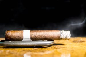 Blind Cigar Review: La Palina   Black Label Robusto